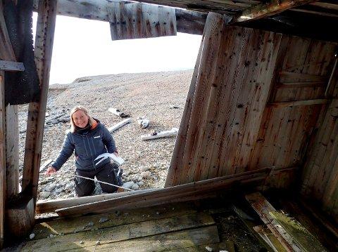Ina Borgen Snaprud fra Lillehammer er Svalbards «riksantikvar». Hun har hovedansvaret for at flere hundre kulturminner og verneverdige bygninger og installasjoner på øyriket blir tatt vare på og bevart.