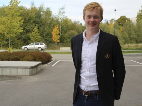 Stolt: – Jeg er først og fremst enormt stolt, sier elevrådsleder Edvard Øverlier etter at elevrådet ved Hadeland videregående skole er kåret til det beste i Oppland fylke.