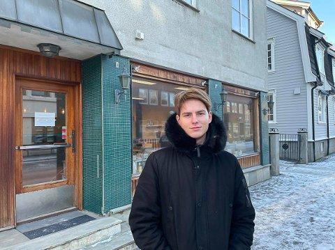 KLAR: Tirsdag morgen åpner Torbjørn Zareus Bergen butikkdørene på Jevnaker.