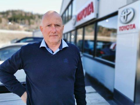 TRER AV: Fra 1. mai er Henning Grønvold pensjonist. Da blir det mer tid til blant annet golf og fisking.
