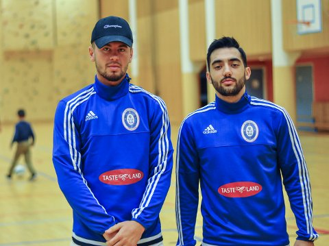 VIKTIGE BRIKKER: Rinor Topollaj (tv) og Arbër Gashi blir to nøkkelspillere for Fredrikshald Futsal.