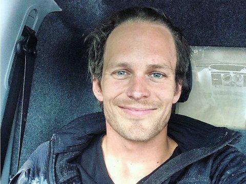 JULETREMAKER: Jarl Eivind Ullvang.