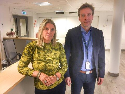 AKSEPT: – Nå håper vi så inderlig vel det går bra med gutten, sier barnevernsleder Liv Kjersti Kvalevaag i  barneverntjenesten i Haugesund. Her med rådmann Ole Bernt Thorbjørnsen.