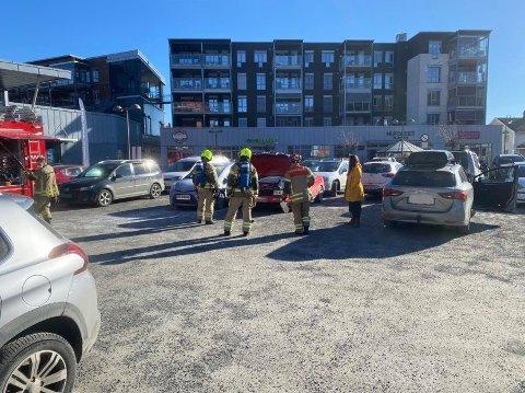SLUKKET: Bilbrannen var slukket av årvåkne forbipasserende da nødetatene kom på stedet.