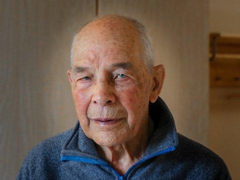 Louis Leüba hadde flere år av sin oppvekst på Orkerød barnehjem etter en tøff barndom i Oslo. Etter hvert begynt han å jobbe på Moss Glassverk, og ble senere fagforeningsleder. BARNDOM PÅ BARNEHJEM: Louis Leüba hadde flere år av sin oppvekst på Orkerød barnehjem etter en tøff barndom i Oslo. Etter hvert begynt han å jobbe på Moss Glassverk, og ble senere fagforeningsleder der.