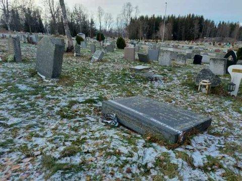 RYDDER OPP: Elverhøy gravlund rydder opp. Rundt 250 gravminner skal bort.