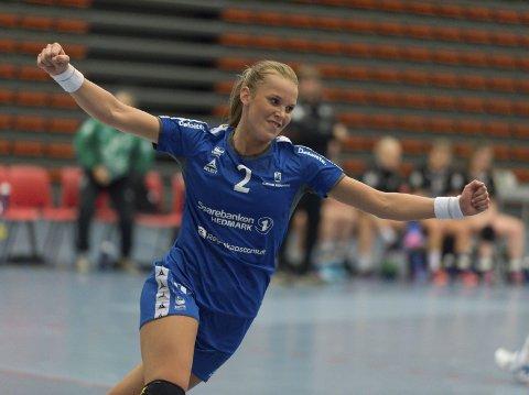 MÅLSHOW: Mari Finstad Bergum og Gjøvik HK vant med ikke mindre enn 44-12 over Elverum.Foto: Henning gulbrandsen