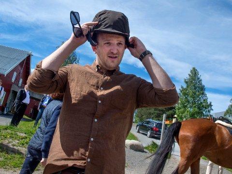 STORT POTENSIALE: Hesten har et stort potensiale for vekst og verdiskapning, hevdet landbruksminister Jon Georg Dale da han gjestet Norsk Hestesenter på Østre Toten tirsdag.