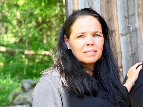 UENIG MED NAVs TOLKNING: Kari Langløkken er jurist og har tidligere hatt lederstilling i NAV. Nå driver firmaet Lillehammer og omegn rettshjelp, og har vært familiens juridiske rådgiver.