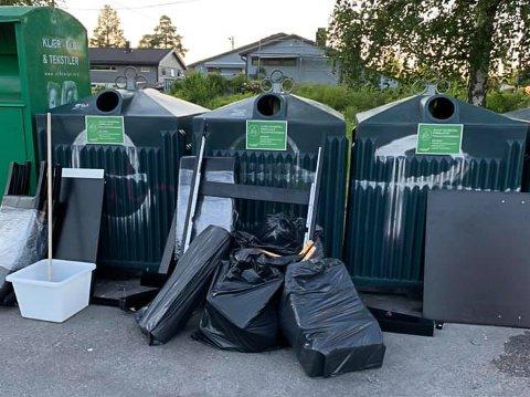Sylvie gikk forbi miljøpunktet på Hellerasten da hun så søppelet som var hensatt søndag kveld.