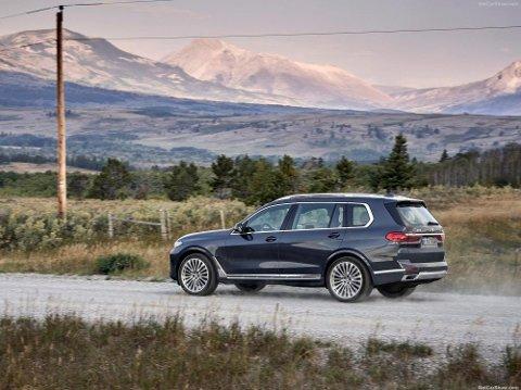 STOREBROR: X7 blir virkelig storebror i BMWs store utvalg av SUV-er. Dette blir en av de største bilene i klassen. (Pressefoto)