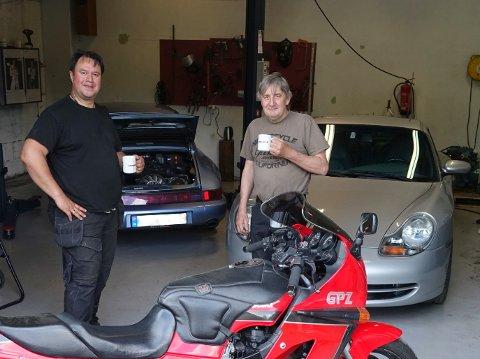 DUO: Lars Sten Horntvedt er hjelpemann og engelske Timothy Whale står for verksted i den nystartede bedriften.