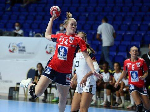 God start: Emma Helland-Døvle og Norge har fått en god start på U17-EM i Montenegro, men nå venter to tøffe kamper i mellomrunden.