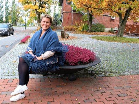 VALGTE TIDLIG: Karoline Fjeldstad er oppvokst i Asker, hvor mange stemte Høyre. Det gjorde ikke hun.