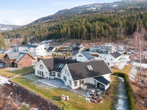 Dette huset i Grønndokka ligger ute til salgs for 11 millioner kroner.