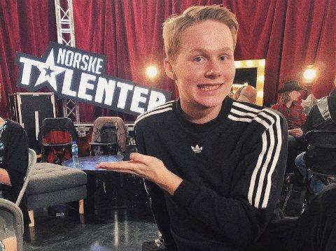 DANSER: Vegar Skaug Gulbrandsen (18) elsker å danse.