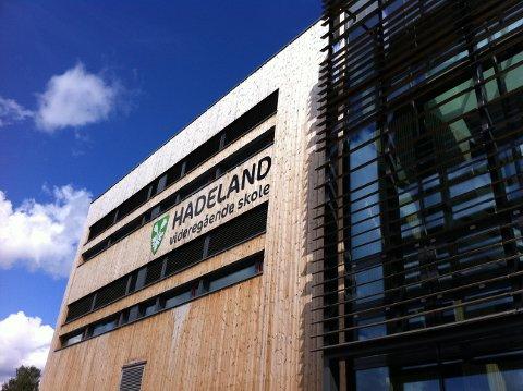 SKAL TESTES: 50 elever ved Hadeland videregående skole skal testes for korona torsdag ettermiddag.