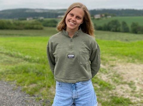 BARE SEKSERE: EIla Aurora Huru Bergene (19) gikk ut av Tyrifjord videregående skole med bare seksere på vitnemålet.