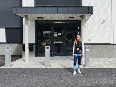 SPORTY: Kristine Nymoen kom på 10. plass blant kvinnene i Norseman i helga. Mandag formiddag er hun på vei til jobb hos politiet i Bø. – Jeg fikk fri i helga, så dette må jeg klare, sier Kristine.