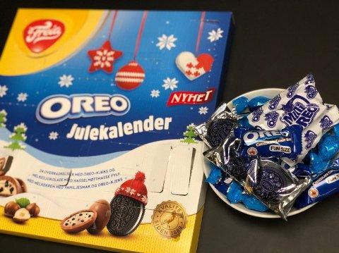 Freia beskriver kalenderen slik: «24 overraskelser med Oreo-kjeks og melkesjokolade med hasselnøttmasse fylt med melkekrem med vaniljesmak og Oreo-kjeks»