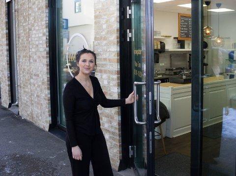 ÅPNER DØRENE: Om ikke lenge åpner Donika Jasari dørene til den nye kafeen.