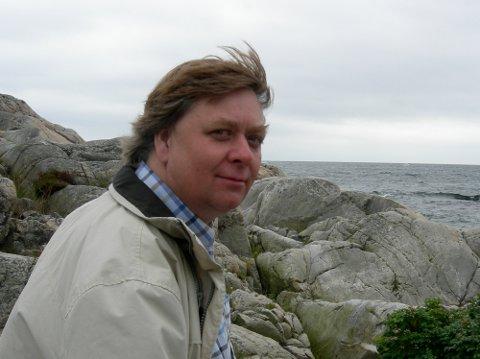 KOMPONIST: Morten Gaathaug, opprinnelig fra Holm i Sande, legger uroppføringen av hans nye strykekvartett til Sande kirke.