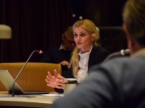FIKK LITE MEDHOLD: Kommuneadvokat Miriam Schei får ikke medhold hos Tenden-advokatene, men en viss støtte fra advokat Jan Fougner.