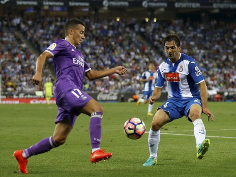 Vår oddstipper stoler på at Espanyol og Victor Sanchez (t.h.) slår tilbake etter forrige serierundes 1-4-tap mot byrival Barcelona.