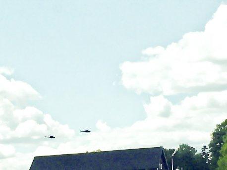 Mystiske helikoptre: Ingen vil vedkjenne seg eierskap til disse helikoptrene som fløy lavt over Askim tidligere i dag.