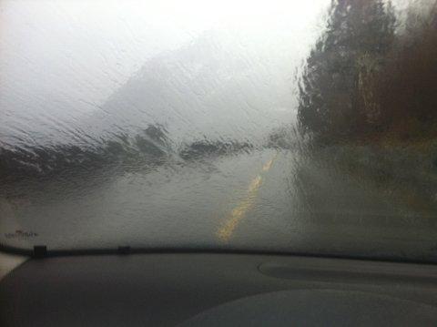 UVÊR: Det er venta mykje regn i Sogn og Fjordane måndag kveld. (Arkivfoto)