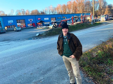 KLAR FOR UTVIKLING AV OMRÅDET: Grunneier Bernt Terje Nomme er fornøyd med Skien kommune og ser fram til utviklingen det åpnes for på Raset i Skien.