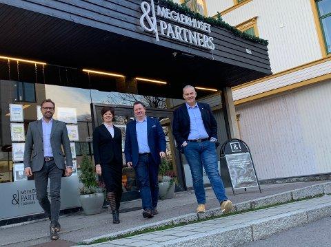 MEGLERHUSET: Per Arne Sandersen, Tone Christoffersen, Per Arne Helland og Jørn Eik Nilsen hos Meglerhuset & Partners Telemark.