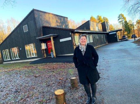FEIRING FEM ÅR: Lise Ripegutu er daglig leder for Klyve nærmiljøsenter. Denne uka leder hun feiringen av 5-års jubileet.
