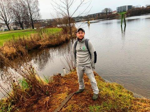 VIKTIG: Bare minutters gange fra Skien sentrum er det mulig å finne et av byens grøntområder, Bakkestranda.  - Viktig å komme seg ut, sier Bjørnar Løkstad i Grenland friluftsråd.
