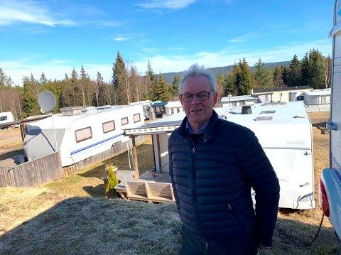 STENGT: Campingplasser som denne ved Heivannet i Siljan er stengt. Ordfører Kjell Sølverød mener det er riktig å gå til et slikt skritt når påsken snart er her.