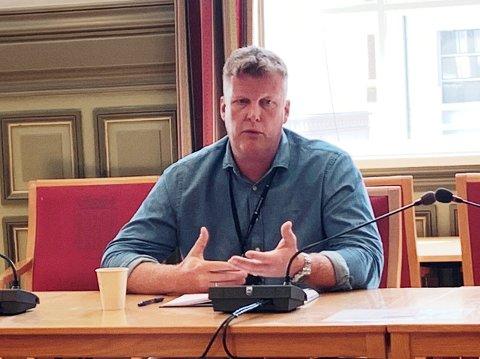 INFORMERER: Helsesjefen i kommunen, Erik Nordberg, gir svar.