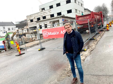 KRITISK: For lite fleksibilitet fra kommunens side ved denne stengingen av Kongens gate, mener folkevalgt Halvor Berg-Hanssen.