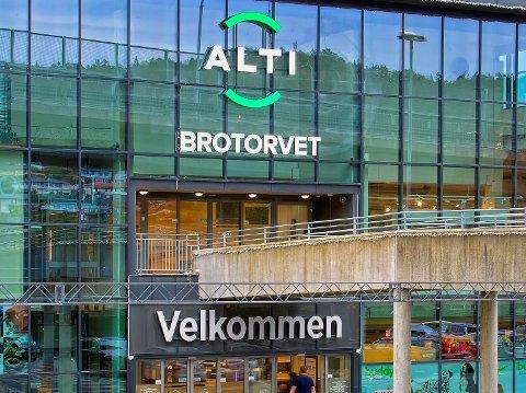 ØKT SALG: Til tross for koronastengte butikker og færre besøkende økte omsetningen på Brotorvet i fjor.