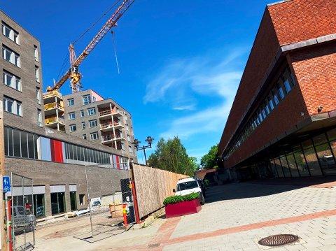 UTVIKLING: Nye boliger og grønne anlegg kommer på plass her i Kverndalen i Skien.