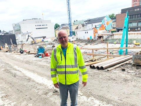 FORNØYD: Prosjektleder Stein Kristiansen er fornøyd med progresjonen på prosjektet nytt sykehjem.