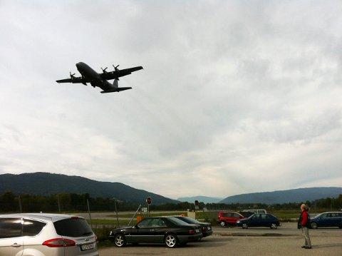 Øvingsbane: I sommer har Hercules svevd over flyplassen flere ganger. Nå kan dette bli et vanlig syn. Bildet er fra et tidligere flystevne.