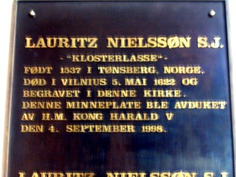 MINNE: Forvist både fra Danmark-Norge og Sverige, fikk Klosterlasse sitt siste hvilested i Vilnius. Det er på tide at han også får et monument i hjembyen Tønsberg, mener Sigurd Hareide.