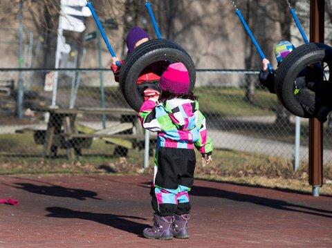 VIL HANDLE: Høyre vil ha vekk de skjulte kostnadene foreldre i skoler og barnehager ofte må bære, skriver Ole Sverre Lund og Thomas Berntsen.
