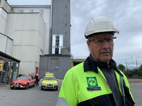 ÅRSAK: Fabrikksjef Petter Gryttenholm sier at de nå må finne årsaken først, før de kan se på hvilke tiltak de kan gjøre for å heve brannsikkerheten ytterligere.