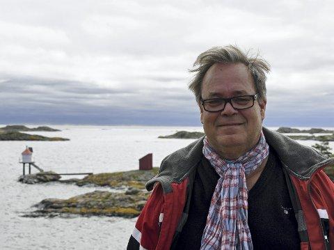 Holmesund: Grunneier Sven Gjeruldsen håper fyrlykten i Holmesund får stå selv om lyset blir slokket, og erstattet med en lanterne.