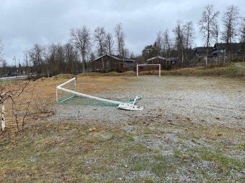 """Beitostølen: «Vi har ønske frå bebuarar i Stølslie bustadfelt om å oppgradere fotballbanen til ein ballbinge""""."""