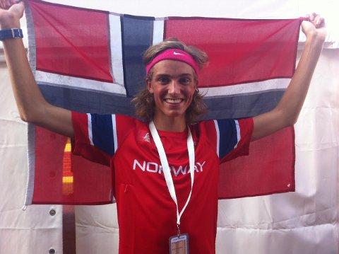 HELÅRSOLYMPIER: I 2017 tok Lars Agnar Hjelmeset sølv i friidrett under ungdoms-OL i Ungarn. I februar stiller han i langrenn under ungdoms-OL i Sarajevo.