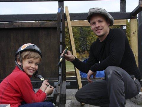 Store og små: Far, Knud Kleppe med sønnen Billy.