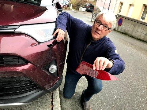 Tor Helgesen sitter igjen med stor bulk i venstre forskjerm og har tatt vare på et knust baklys fra motpartens kjøretøy.