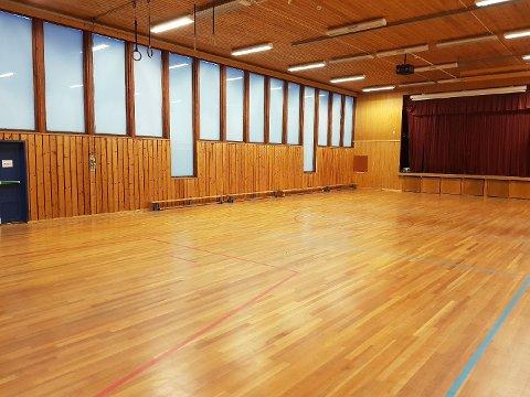 Gymsal: - Det virker nå som en lysere og finere gymsal, lyder meldingen fra en svært fornøyd FAU-leder Harald Johnsen. Foto: Privat